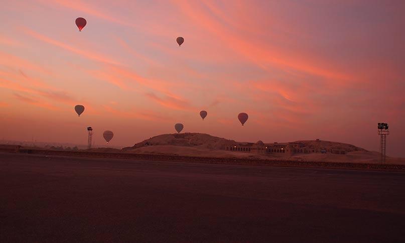 Sonnenaufgang über den Aassasif