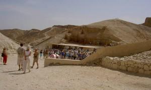 Jede Menge Touristen im Tal der Könige
