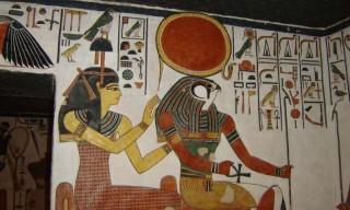 Re-Harachte mit Hathor im Grab der Nefertari