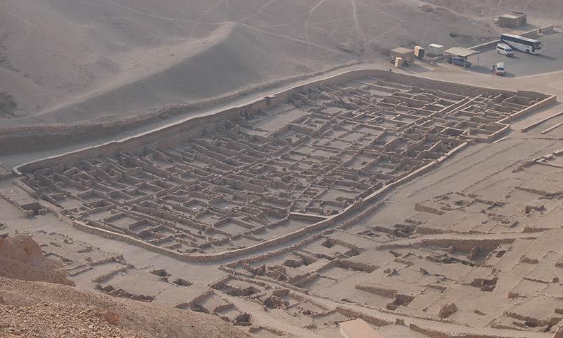 Blick auf Deir el Medinah