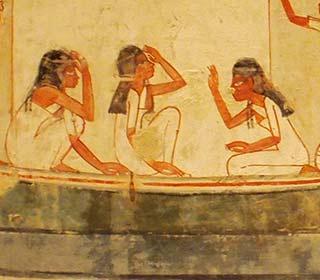 Trauernde Frauen im Grab des Menna
