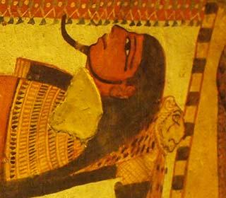 Mumie im Grab des Sennedjem