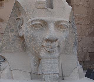 Pharao Ramses II. am Luxor-Tempel