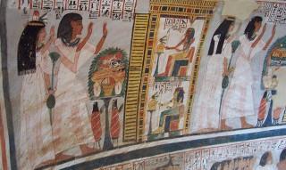 Amenemipet opfert zusammen mit seiner Frau vor den Göttern