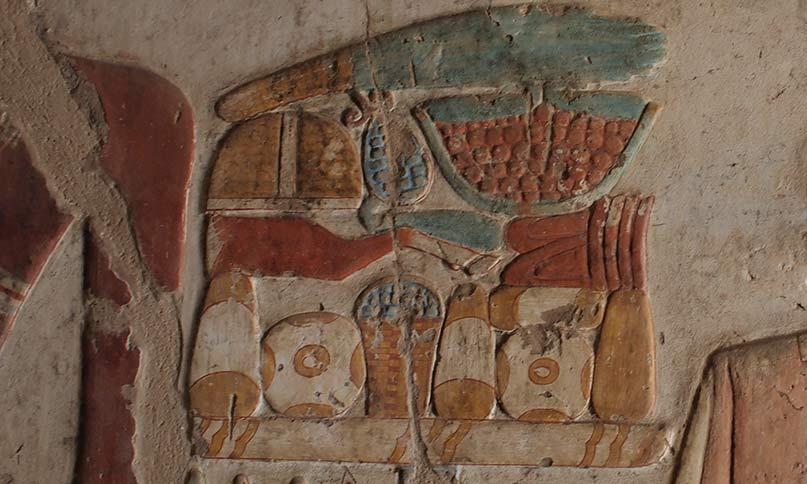 Ein reich gedeckter Opfertisch mit Brot, Früchten und Fleisch Grab des Paheri, el-Kab Neues Reich, 18. Dynastie