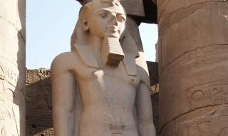 Pharao Ramses II. im Luxor-Tempel