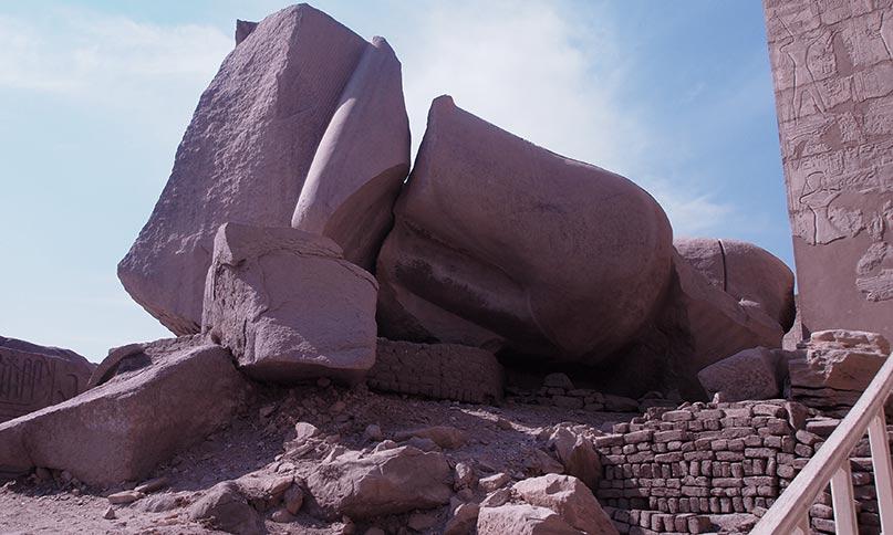 Koloss von Ramses II. in seinem Ramesseum