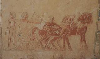 Streitwagen im Grab des Haremhab