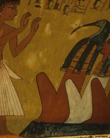Der ibisköpfige Weisheitsgott Thot galt als der Verfasser von sechs medizinischen Texten und wurde daher besonders häufig um Genesung gebeten Grab des Sennedjem, Theben-West Neues Reich, 19. Dynastie