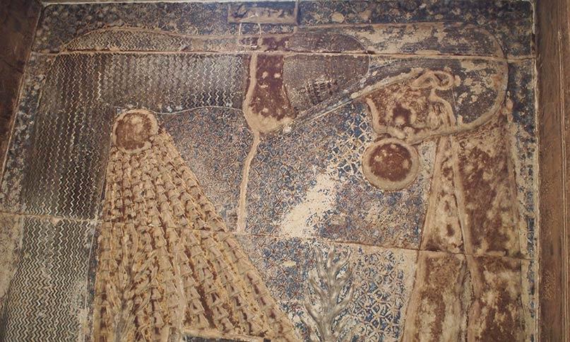 Ablauf von Tag und Nacht nach den Vorstellungen der Ägypter: Die Sonne wird von Nut am Abend verschluckt und am Morgen aus ihrem Schoß wiedergeboren. Tempel von Dendera Gr.-röm. Epoche