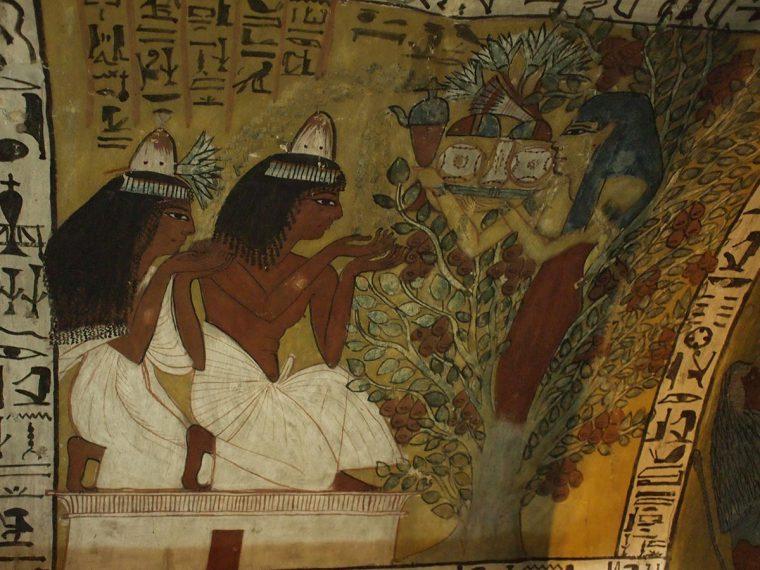 Nut tritt aus der göttlichen Sykomore hervor, um den Grabherrn und seiner Frau Nahrung und Wasser zu überreichen Grab des Sennedjem, Theben-West Neues Reich, 18. Dynastie