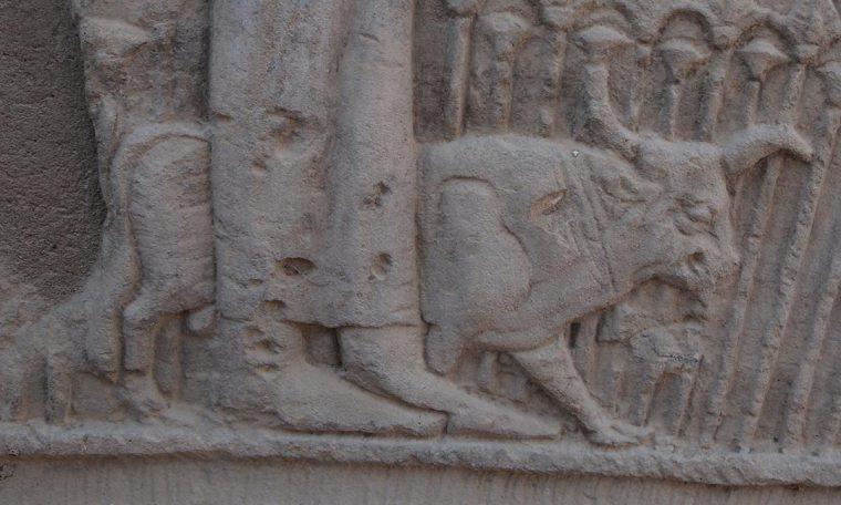 Der heilige Buchis-Stier war die Inkarnation des Gottes Month Tempel von el-Tod