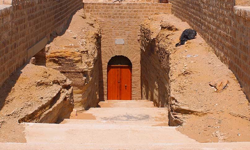 Eingang des Serapeums in Sakkara